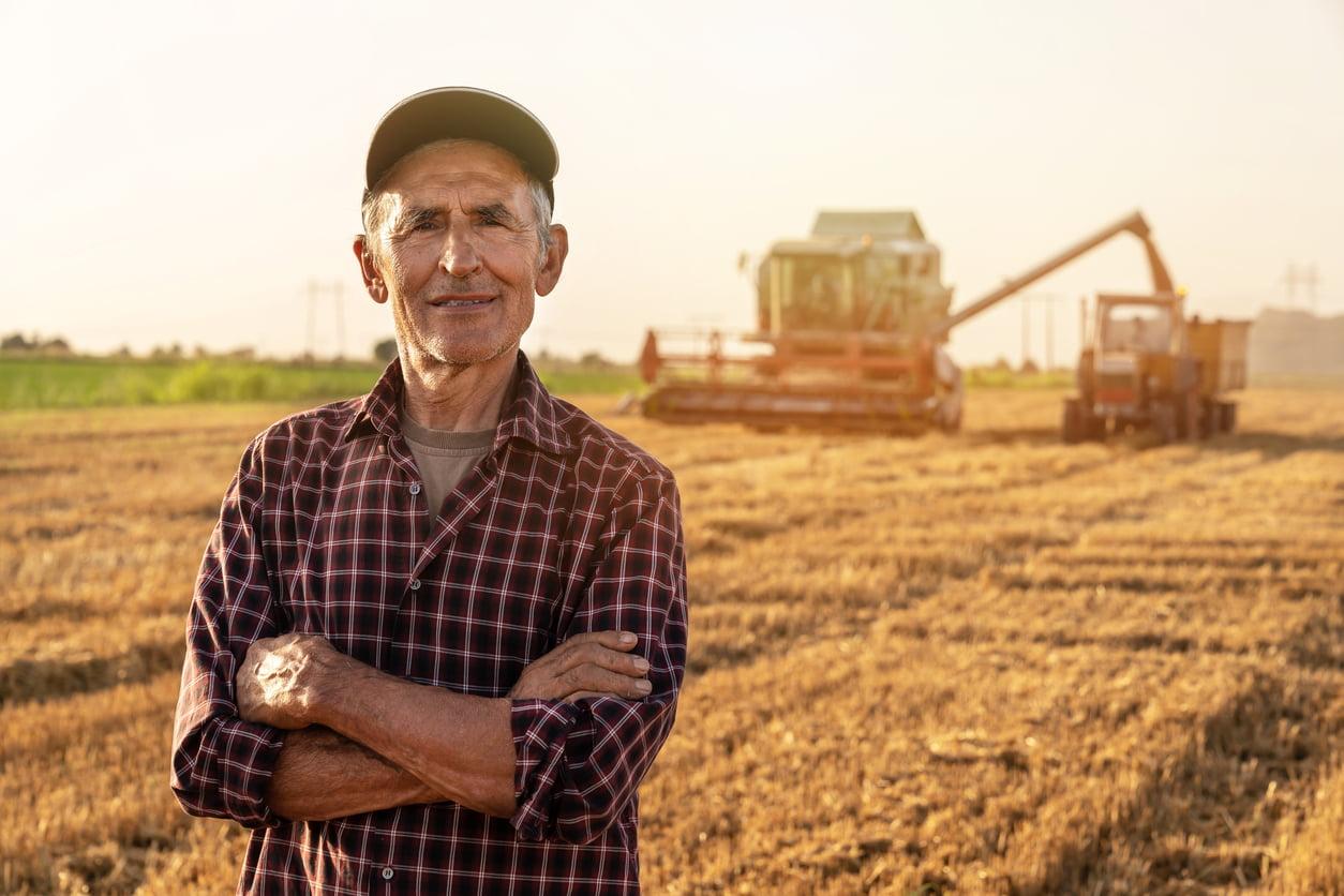 farm insurance side image